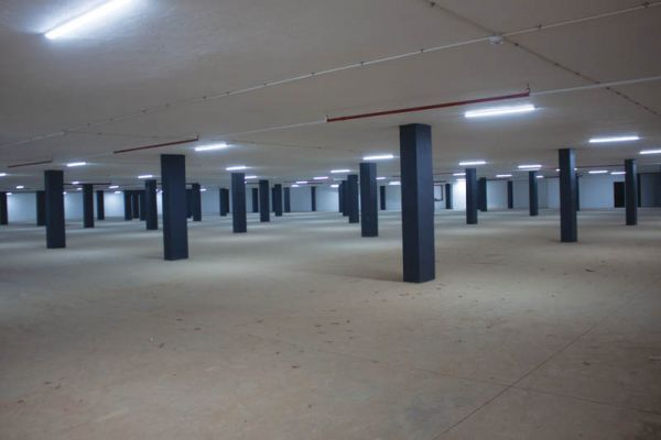 The+Midrand+Market+has+an+additional+4+000m2+underground+space+that+can+be+used+to+store+various+produce.