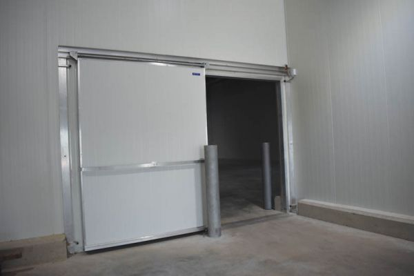 Guard beams are installed at every entrance to protect against any forklift bumps or damage.